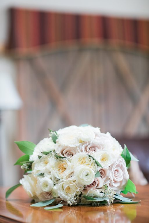 blush, cream, green, light and airy, classic wedding bridal bouquet