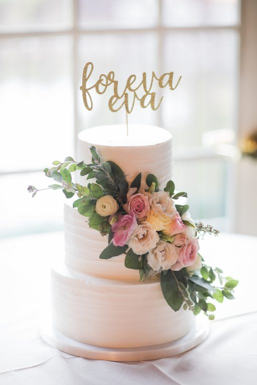blush, cream, green, light and airy, classic wedding small casscade on cake