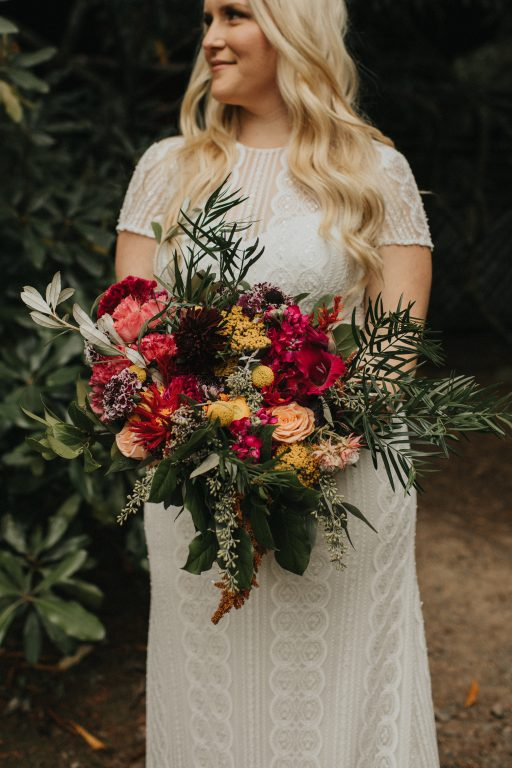 Camp wedding, wild flowers, colors, rustic, bridal bouquet