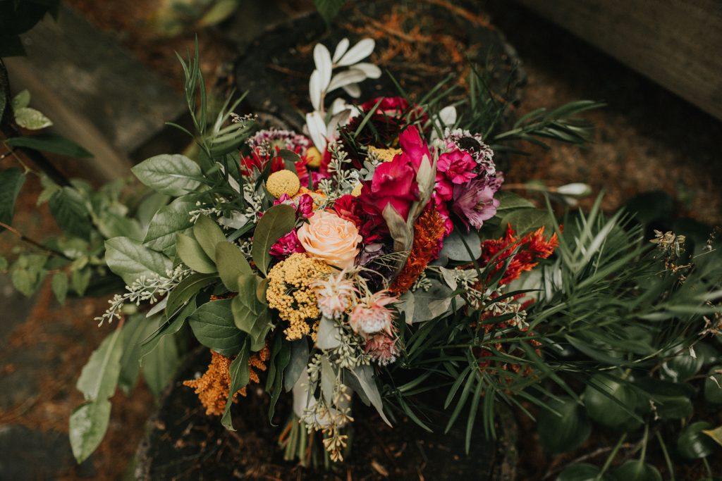Camp wedding, wild flowers, colors, rustic, bridal bouquet