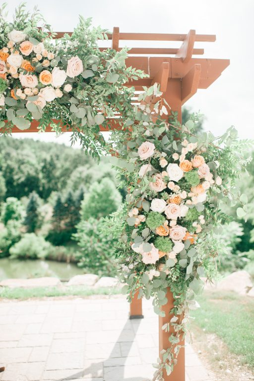 Summer wedding, coral, blush, white, greenery, roses, succulants, eucalyptus, arbor florals