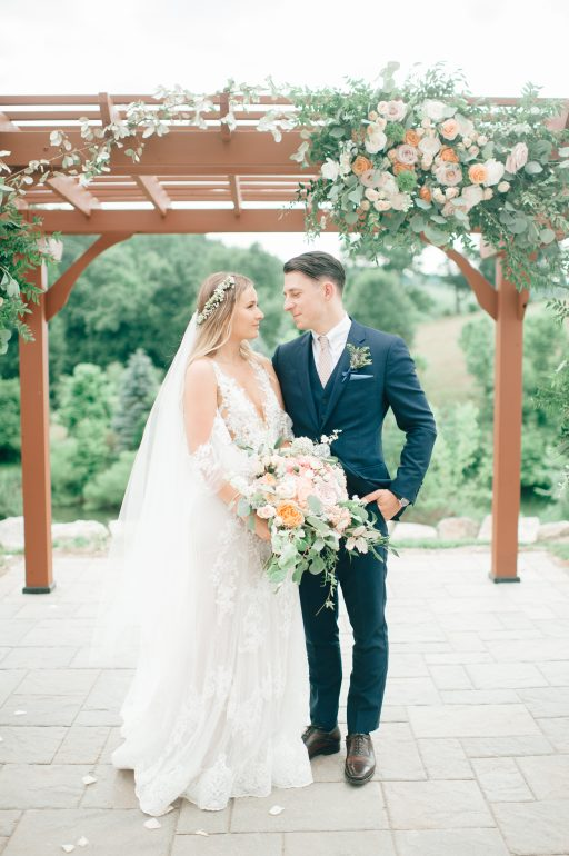 Summer wedding, coral, blush, white, greenery, roses, succulants, eucalyptus, ceremony