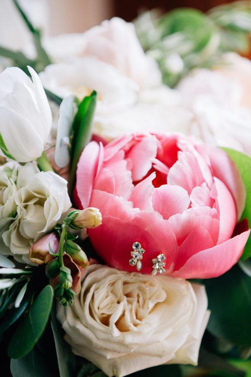 Summer wedding, natural, greenery, light, fresh, peonies, juliet roses, cream, pink, blush, bridal bouquet.