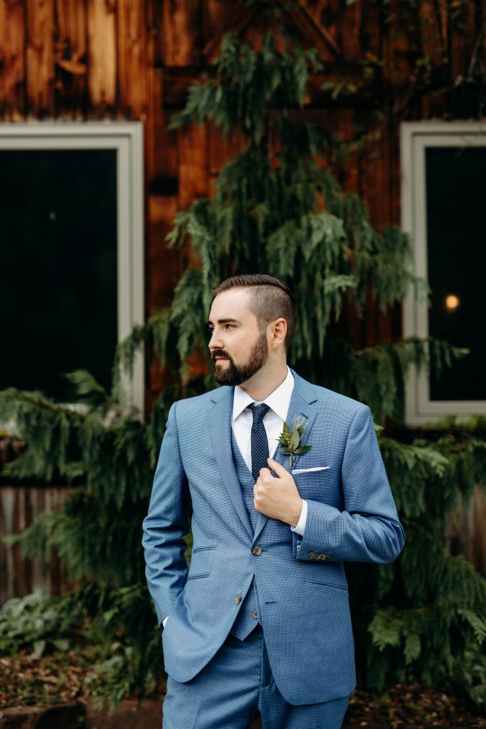 Summer wedding, fun, party of the summer, greens, ferns, forest greens, rose gold, copper, cream, groom.