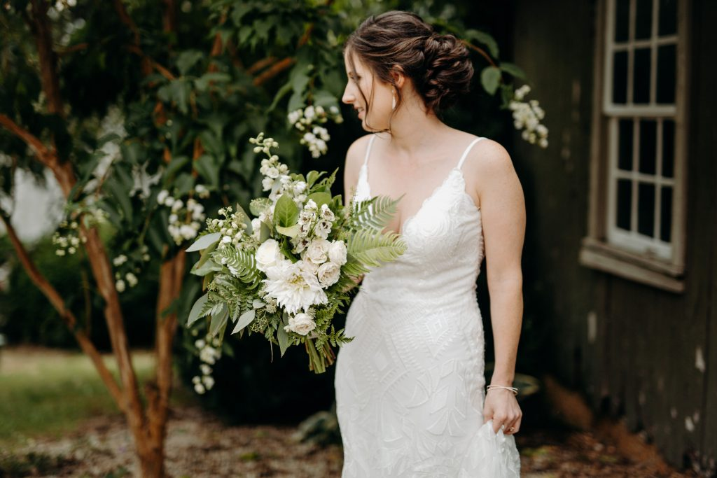 Summer wedding, fun, party of the summer, greens, ferns, forest greens, rose gold, copper, cream, bride.