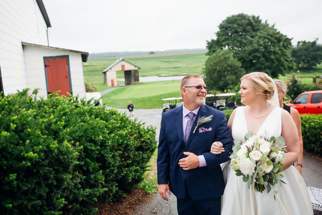 Fall wedding, lehigh valley wedding, golf course wedding, rustic barn, lavender, wheat, casual, laid back, floral details.