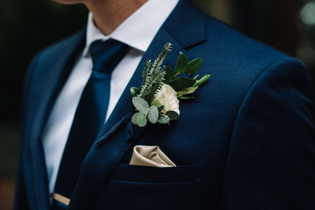 Lehigh Valley wedding, lehigh valley wedding florist, wedding florist, fall wedding, september wedding, romantic, down to earth, big party, Cream, greenery, blush, pale peach, rose gold, groom.